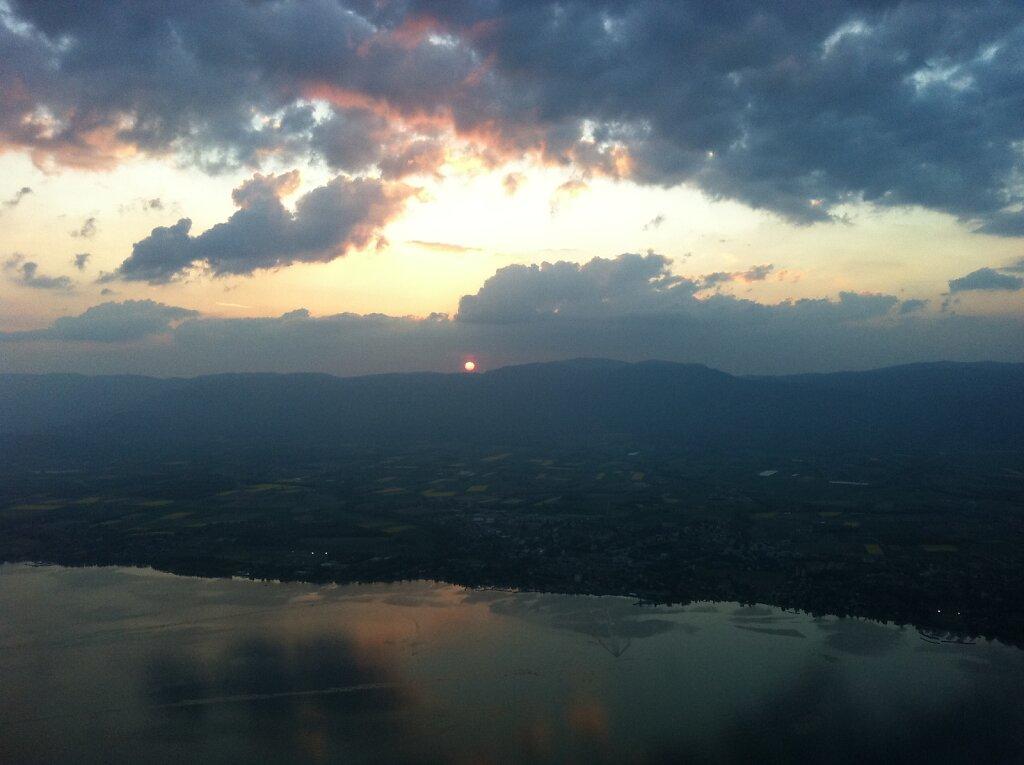 20.04.2011 München - Genf   Sunset 2 Minuten später