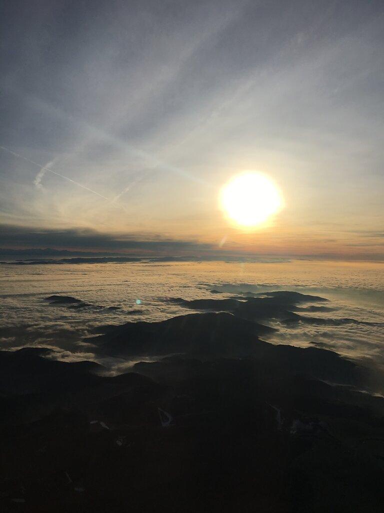 29.12.2018 München - Basel | Letzte Sonnenstrahlen über dem Schwarzwald
