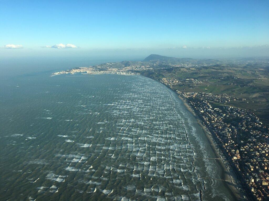 23.02.2019 Ancona - München | Raue See bei Ancona