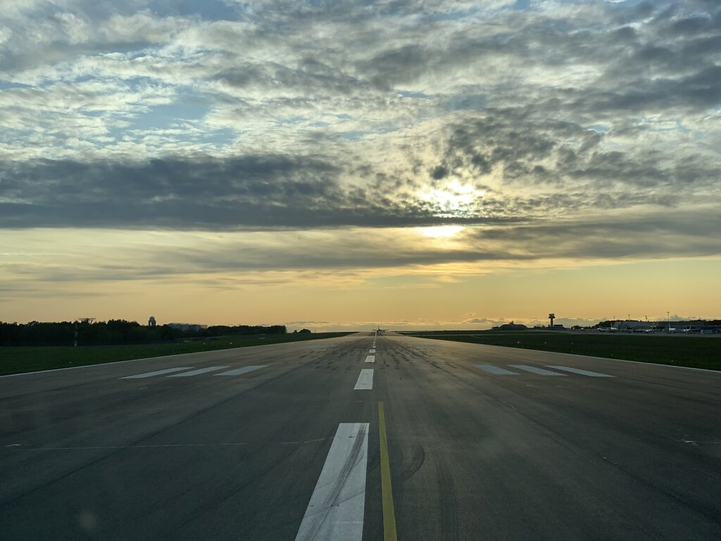24.10.2019 Luxemburg - München | Runway 24 cleared for take-off