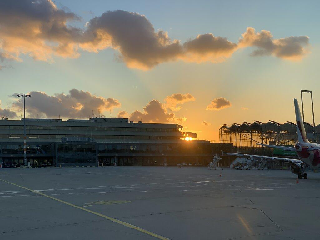 04.11.2020 Köln | Airportromantik