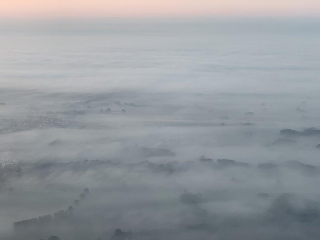 19.09.2021 München - Hannover   Nebel über Bayern
